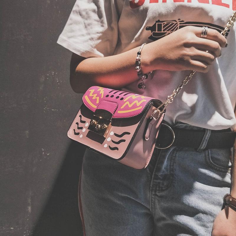 包包女2017春夏新款潮韩版可爱涂鸦小方包链条锁扣单肩包斜挎包